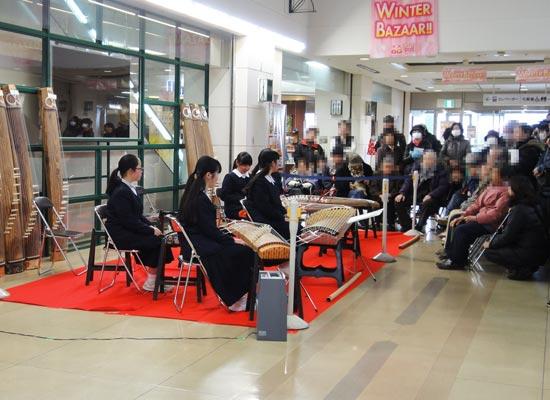 学生さんの琴演奏